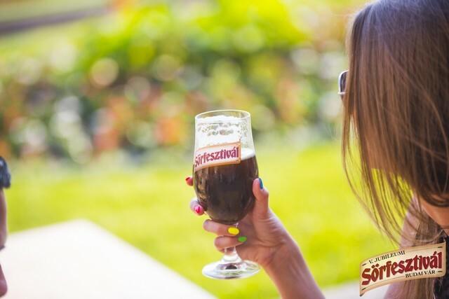 Minden ötödik ember ivott már sört egészségügyi hatásai miatt
