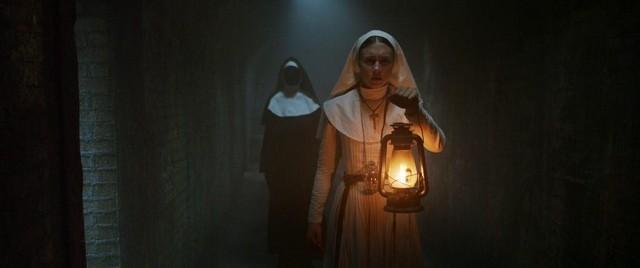 Csütörtöktől az apáca is beköltözik a mozikba